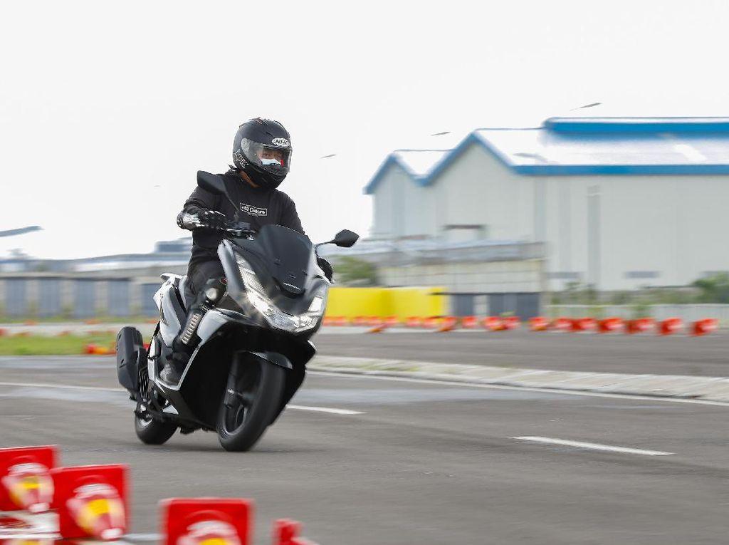 Harga Motor Matic 150cc-160cc Juli 2021: Harga PCX dan Aerox Naik