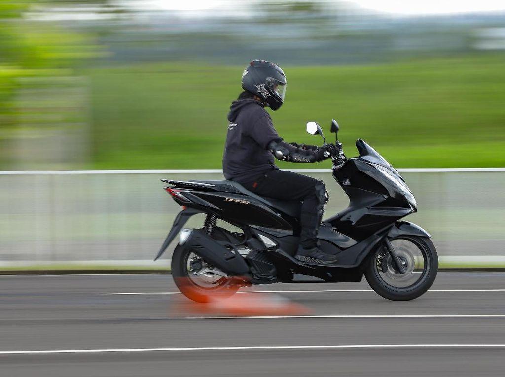 Test Ride Singkat Honda PCX 160: Wuss.. Ngacir dengan Tarikan Halus