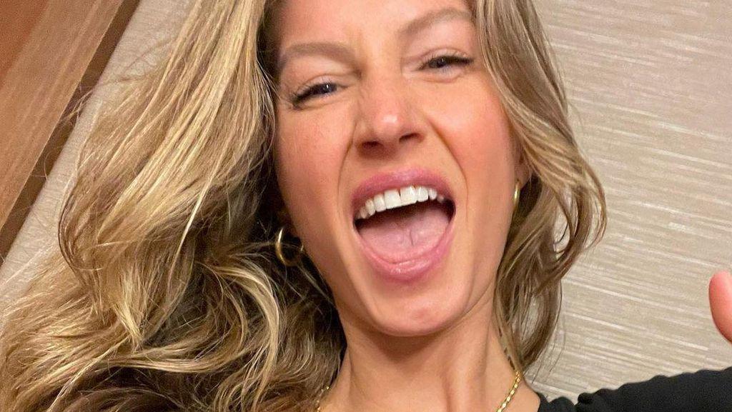 Gaya 7 WAGs Cantik Saat Beri Dukungan Pada Suami dan Pacar di Super Bowl