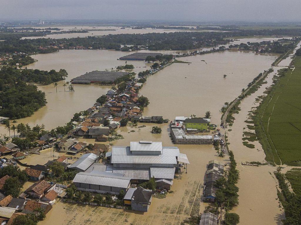 Korban Jebolnya Tanggul Sungai Citarum: Air Langsung Burrr!