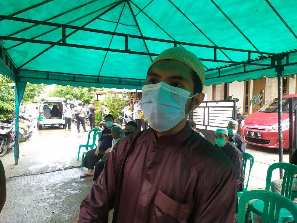 Keluarga Ungkap Ustadz Maaher Sudah Lama Sakit TB Usus