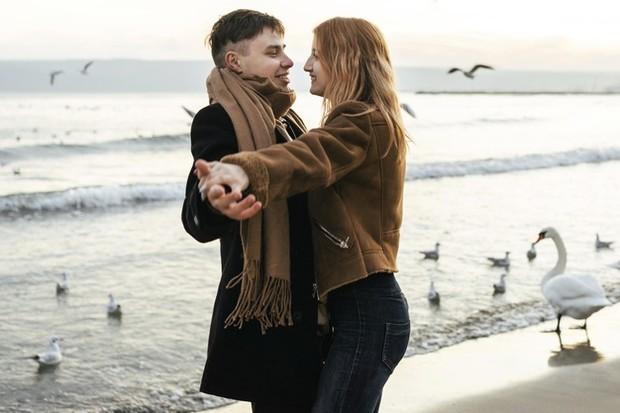 Dapat mengamankan perasaan pasangan tentang hubungan.