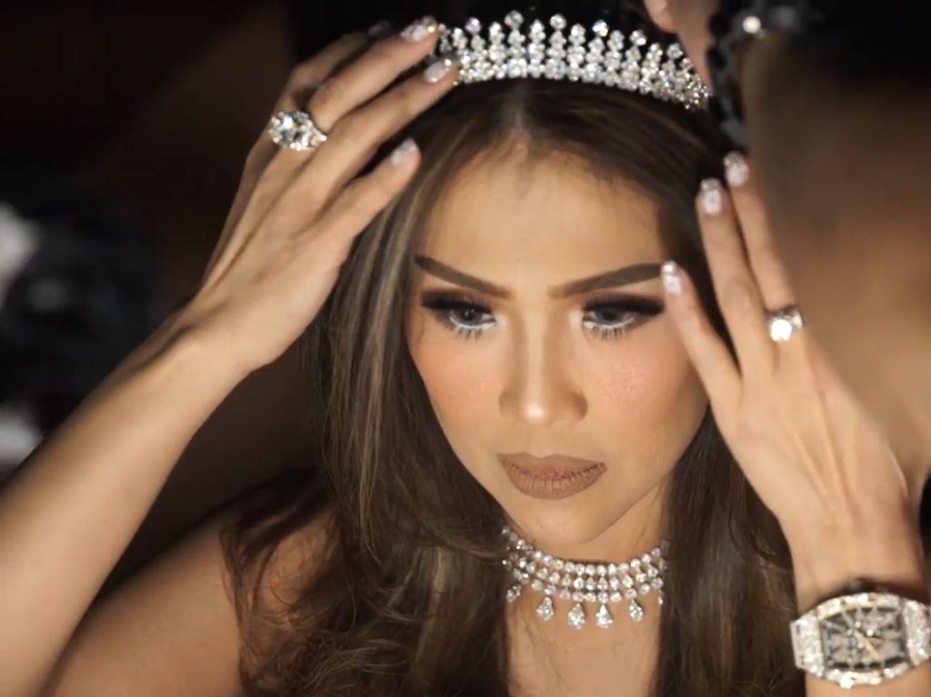Gaya Hidup Mewah Helena Lim, Crazy Rich PIK yang Sudah Divaksin COVID-19