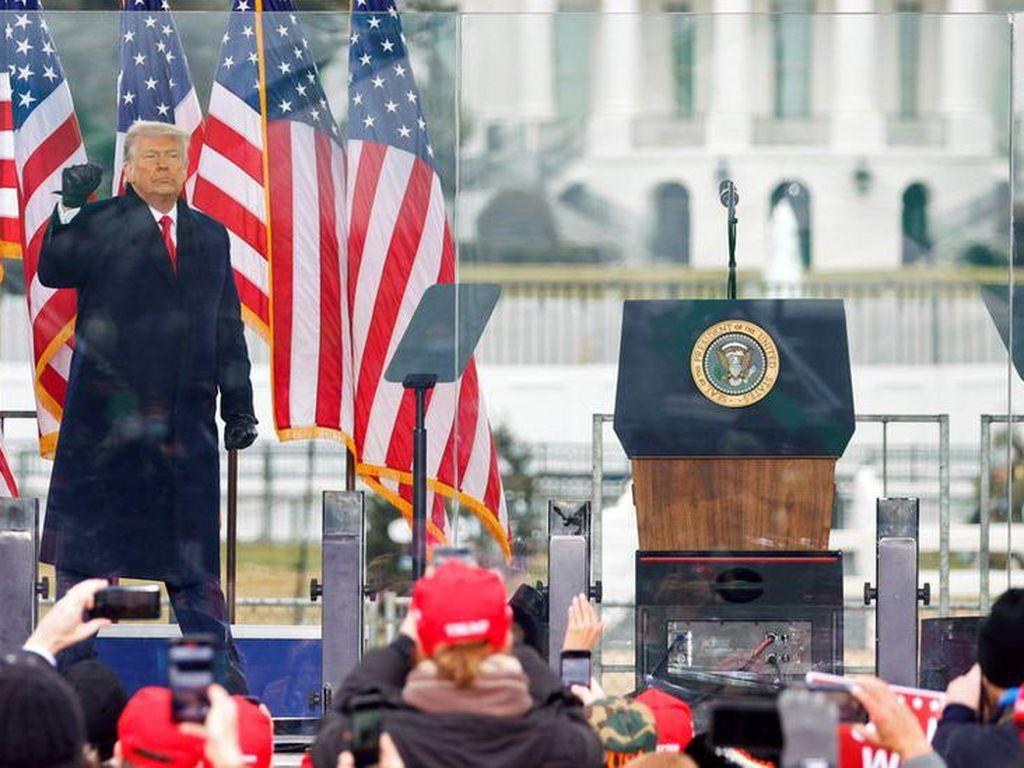 Pengacara Bantah Trump Gerakkan Pendukung Serbu Gedung Capitol AS
