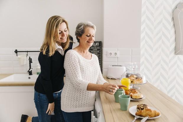 Peralatan memasak bisa menjadi hadiah terbaik buat ibu mertua.