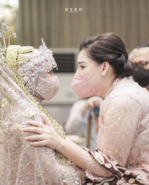 Pernikahan Kesha Ratuliu