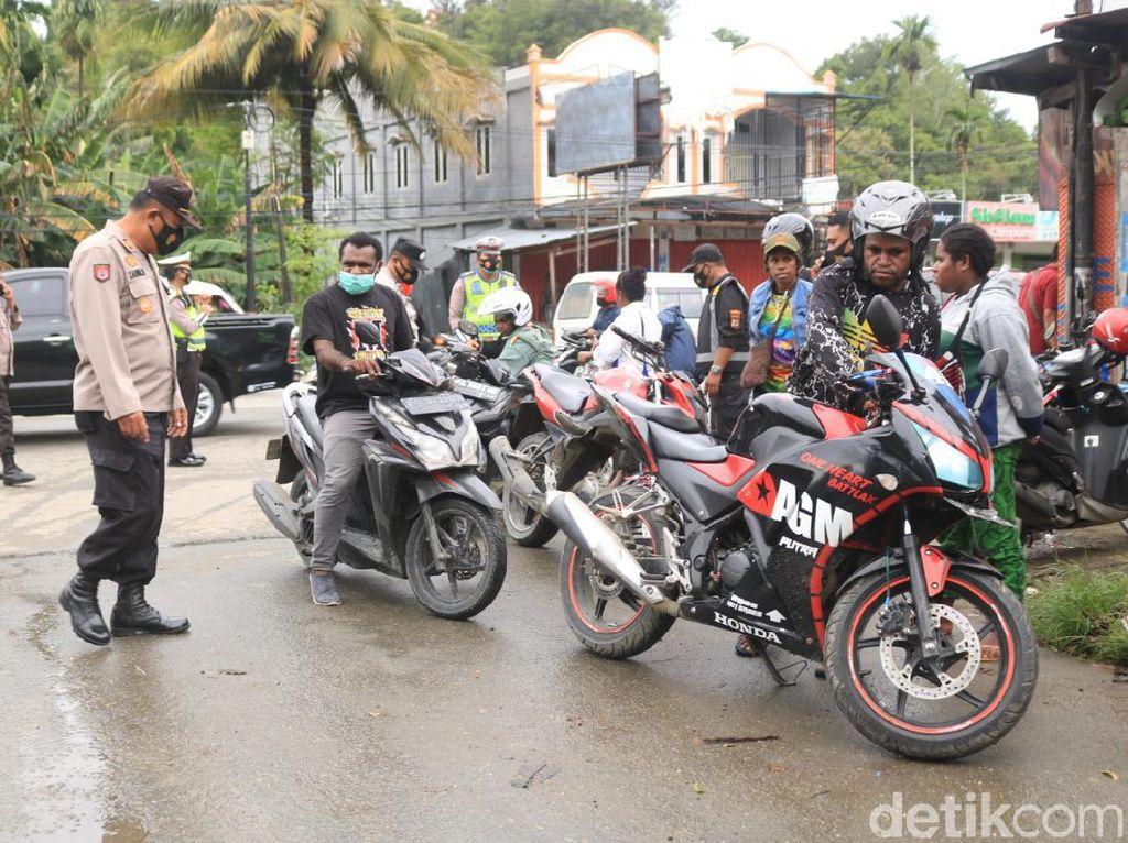 Razia Cegah Curanmor-Kriminal di Jayapura, 83 Motor dan 2 Sajam Disita