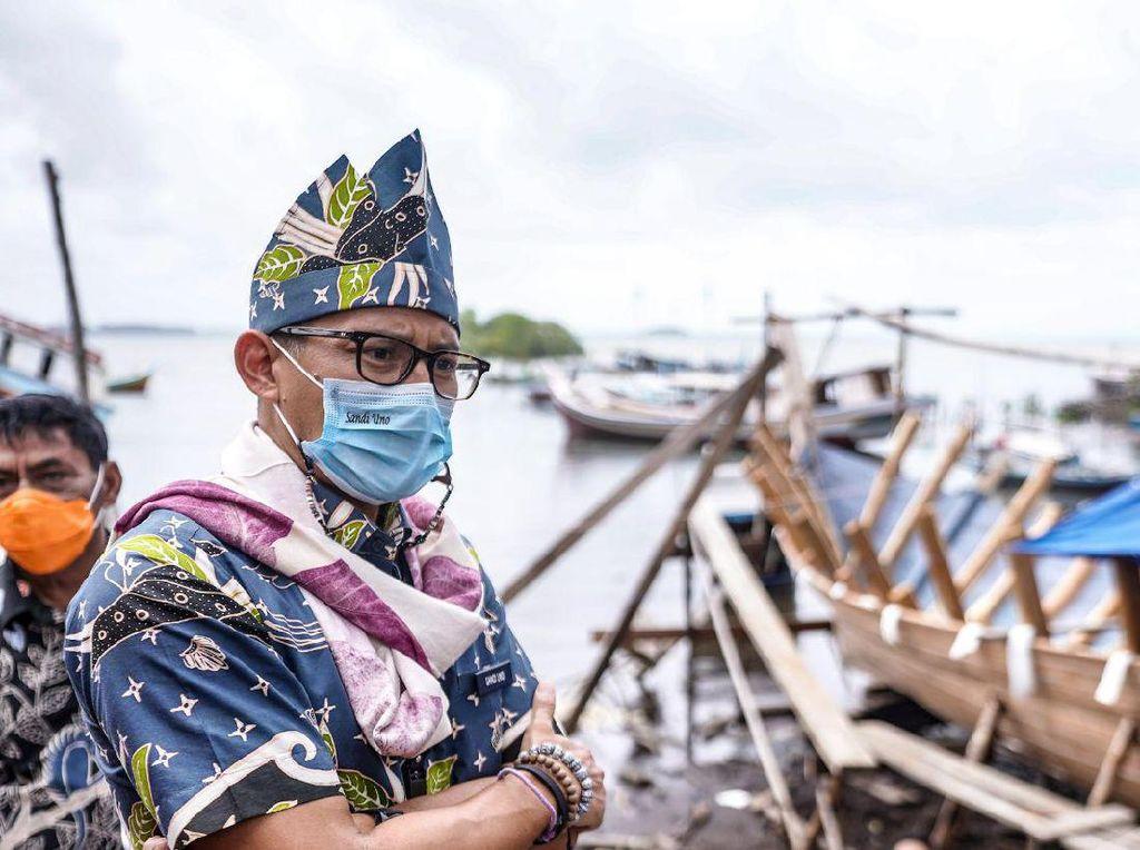 Sandiaga Blak-blakan Dampak Corona ke Pariwisata & Ekonomi Kreatif