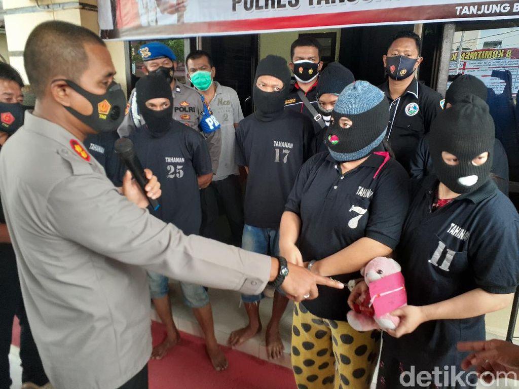 Sekeluarga di Tanjungbalai Ditangkap, Simpan Sabu di Boneka Beruang Pink