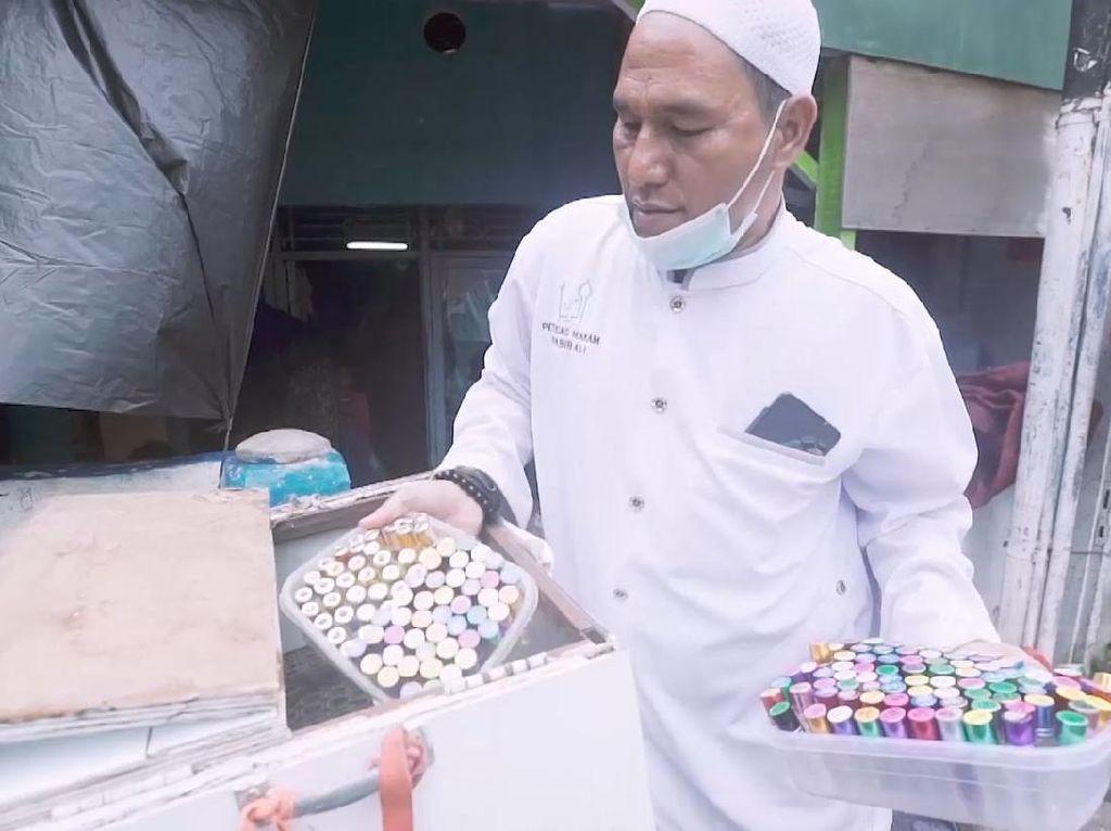 Penjaga Makam Habib Kwitang: Keberkahan Terasa di Hidup Saya