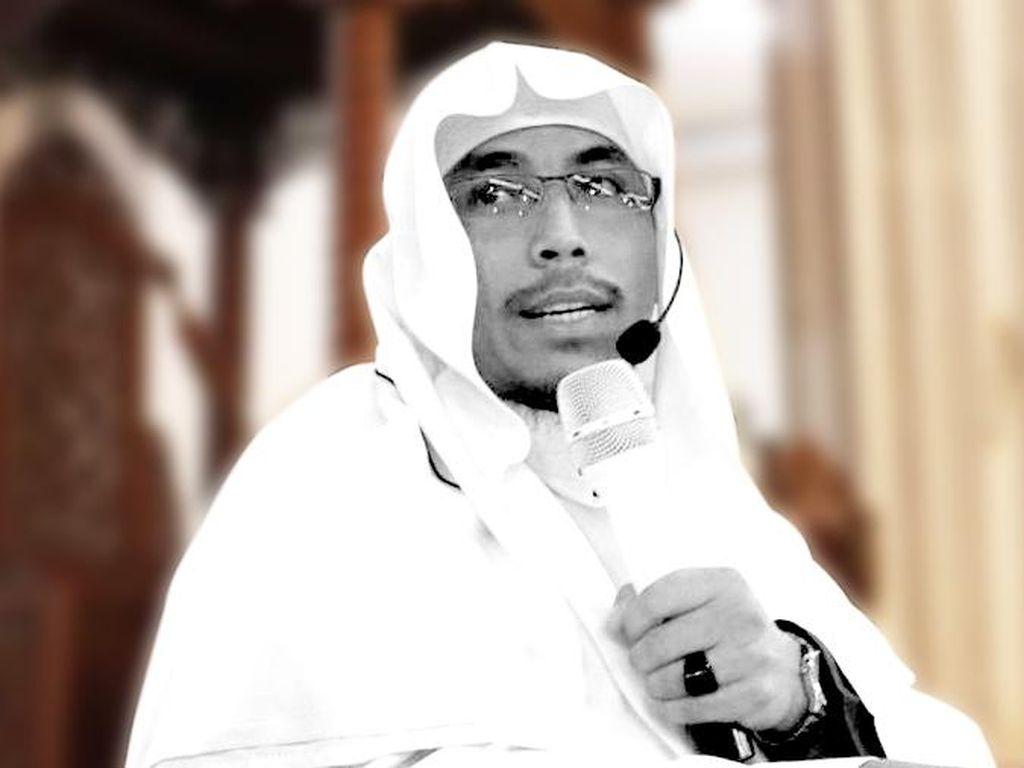 Riwayat TB Usus di Balik Meninggalnya Ustadz Maaher