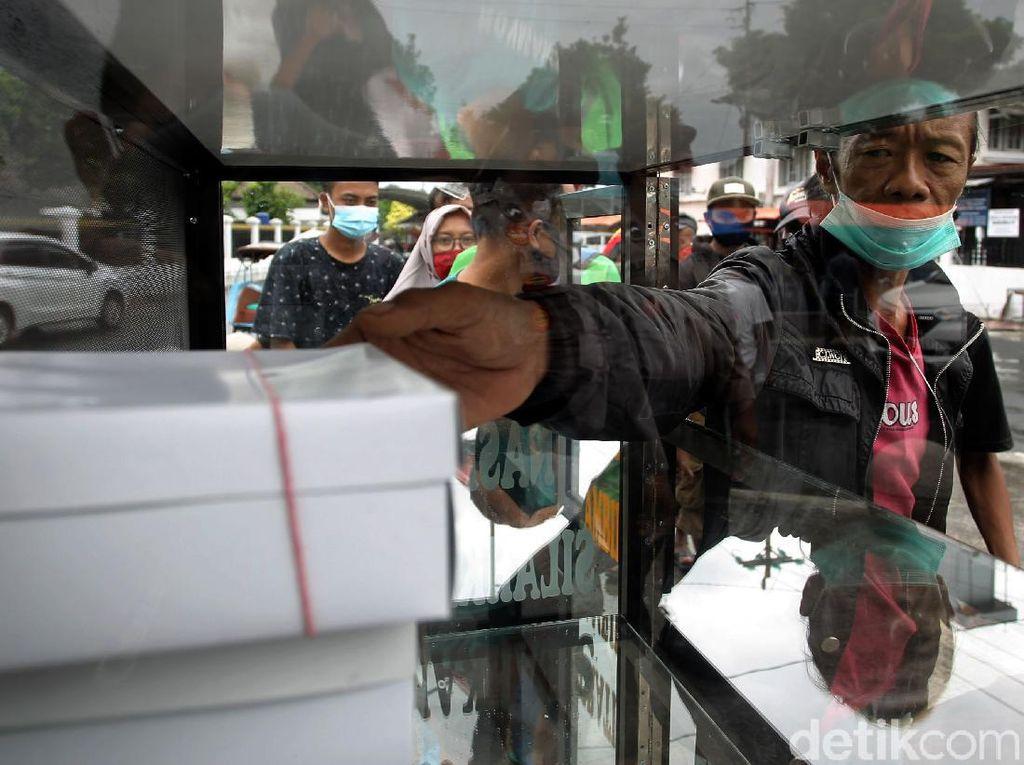 Aksi Bagi-bagi Nasi Gratis di Yogyakarta Saat Pandemi