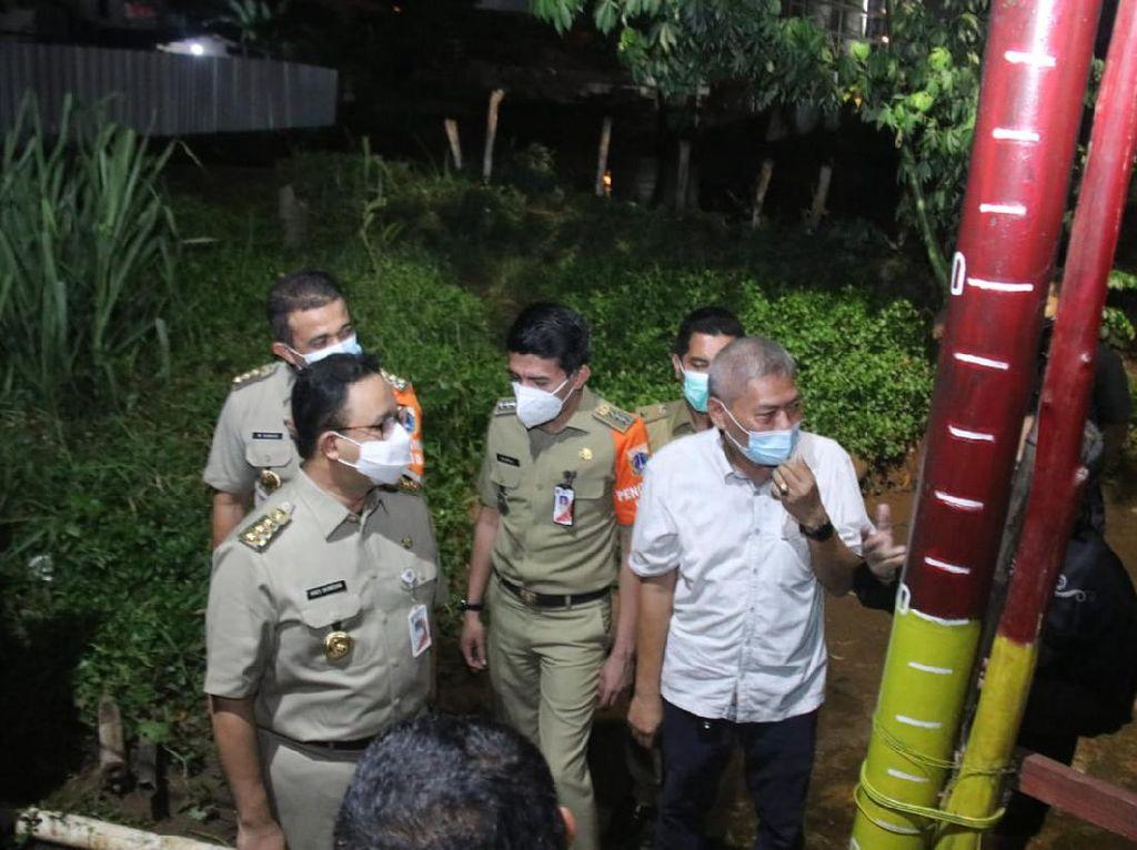 Kunjungi Cipinang Melayu Jaktim, Anies Bicara Pengerukan Waduk Rangon-Tiu