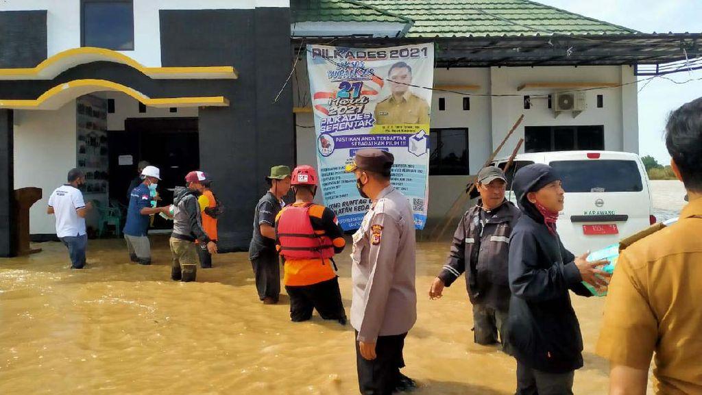 Bantuan untuk Korban Banjir Karawang