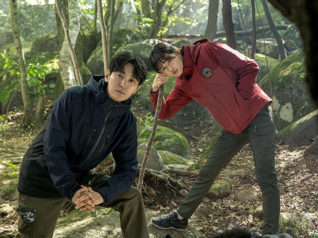 Sinopsis Jirisan, Drakor Terbaru Jun Ji Hyun Diisi Soundtrack Jin BTS