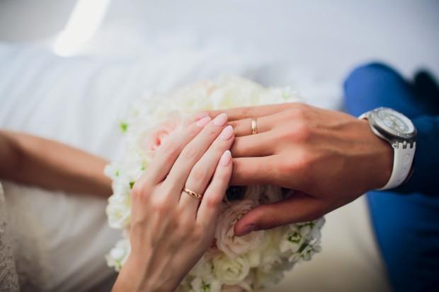 Pernikahan memang bukan hanya komitmen untuk sekarang, tapi juga masa depan.