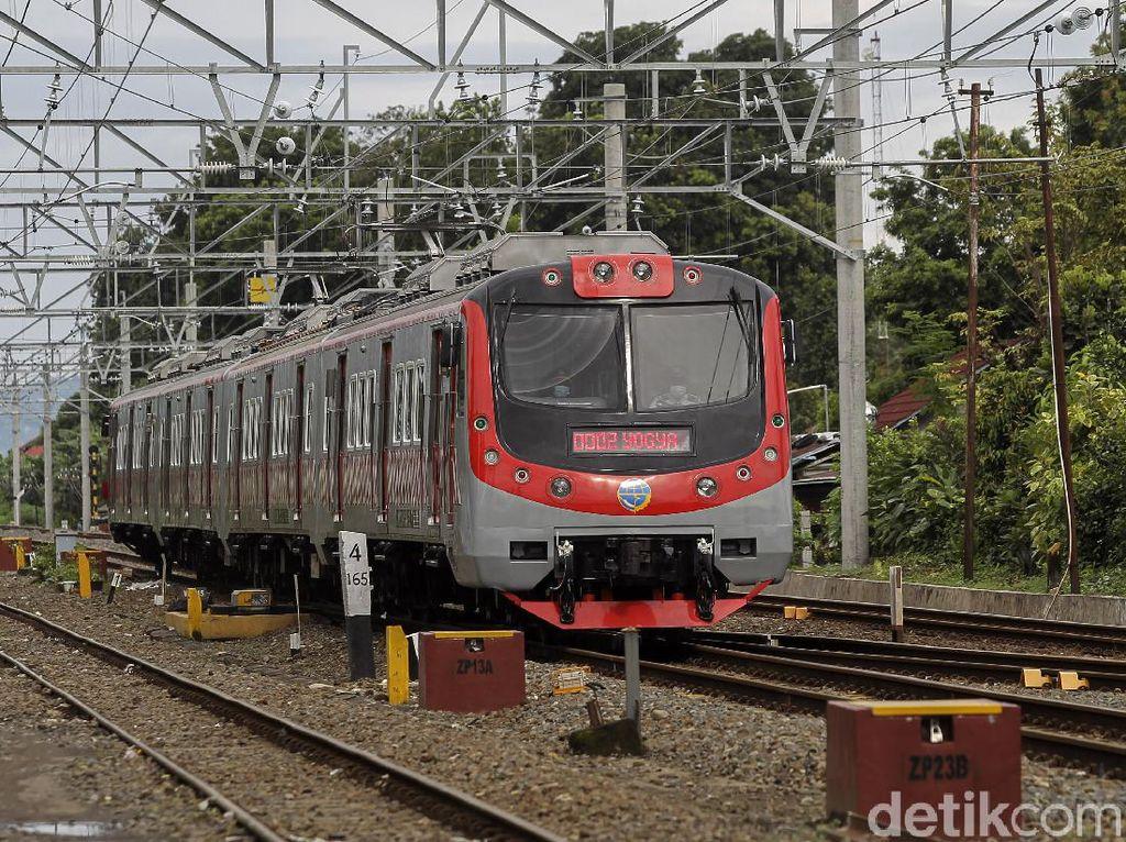 Rel Stasiun Tebet Sempat Terendam, Perjalanan KRL Kini Sudah Normal