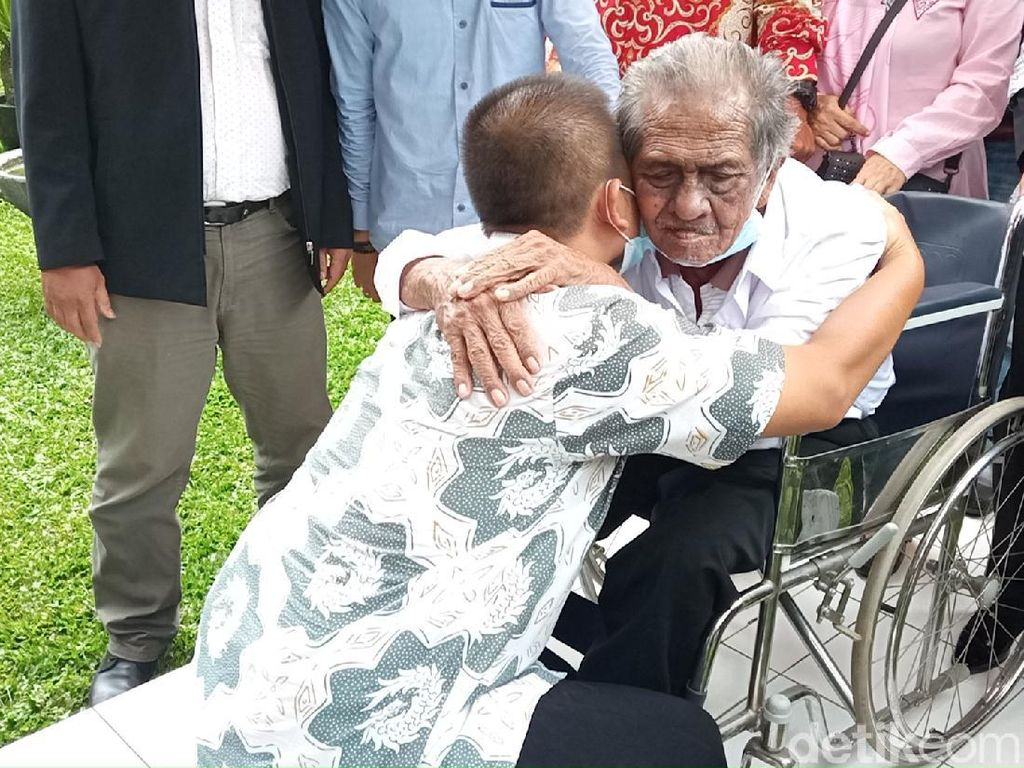 Happy Ending! Anak Gugat Ayah Kandung Rp 3 Miliar Berdamai