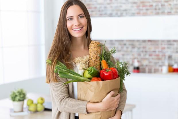 Konsumsi makanan bergizi
