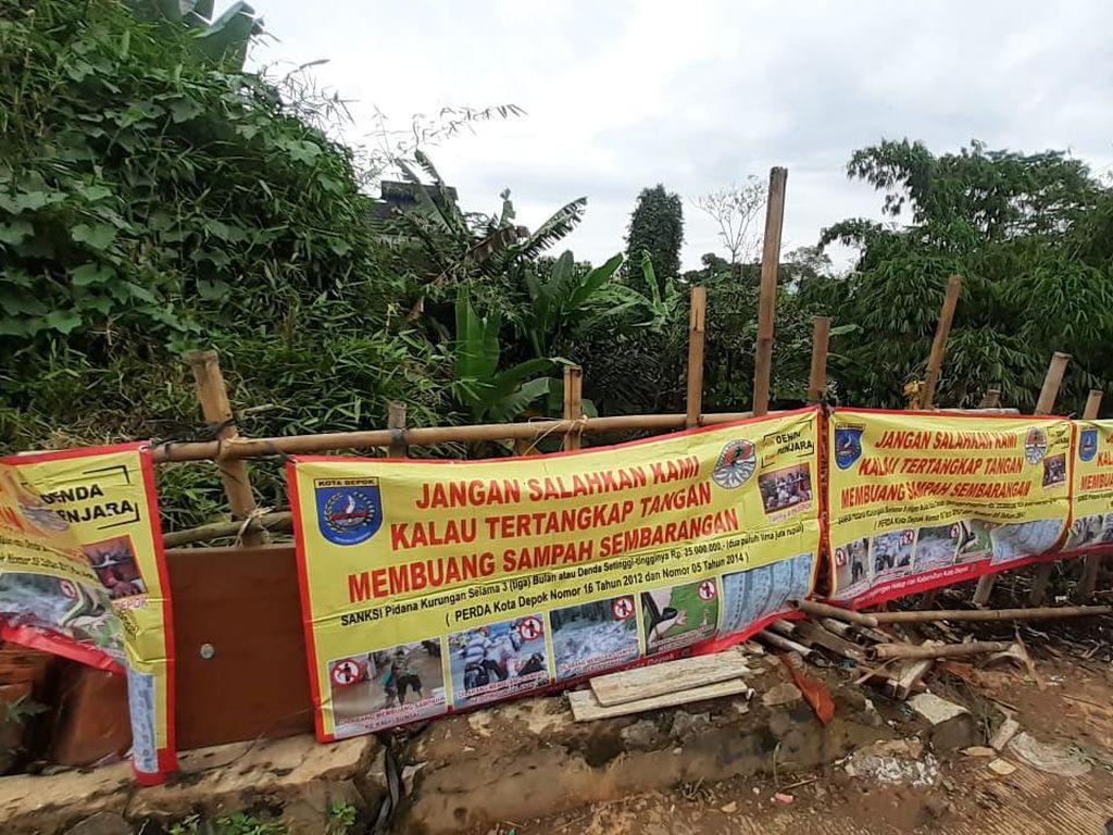 Sempat Dikeluhkan Warga, Pemkot Depok Angkut Sampah di Pondok Jaya