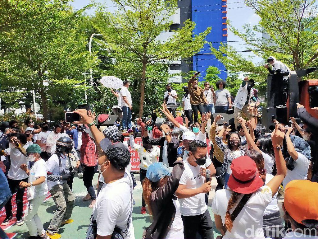 Pj Walkot Makassar Minta Polisi Usut Pendemo Balai Kota yang Langgar Prokes