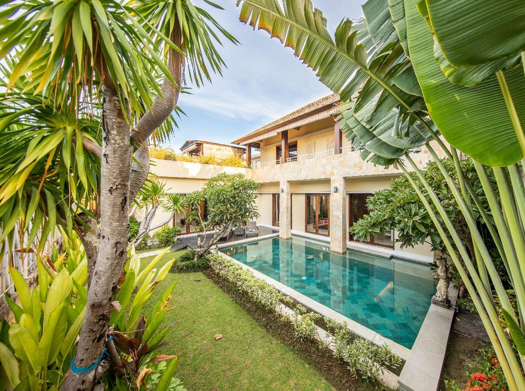 Mau Wisata di Bandung? Ini 5 Villa Private Pool untuk Staycation