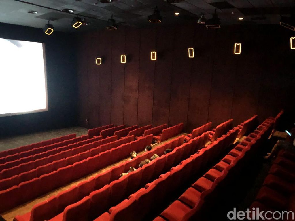 Aturan Terbaru PPKM Level 2-3: Bioskop Boleh Buka-Gage ke Tempat Wisata