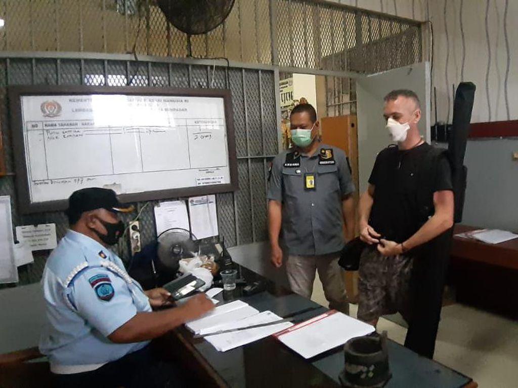David Taylor WN Inggris Pembunuh Polisi di Bali Bebas Hari Ini