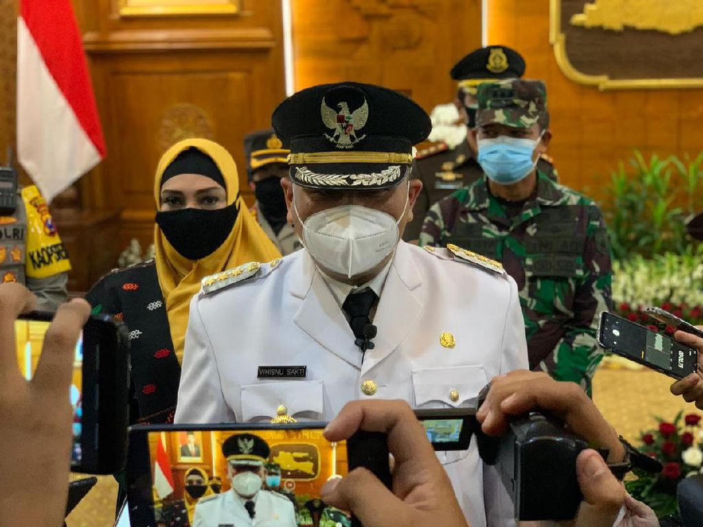 Dilantik Wali Kota Surabaya Definitif, Jabatan Whisnu Sakti hingga 17 Februari