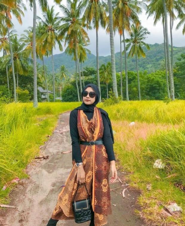 Foto: Dress Lilit Batik/Instagram.com/ dw.indrlstrii_