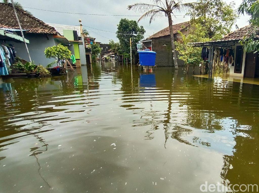 Banjir di Kudus Belum Surut, Rumah Terendam Tambah Jadi 7.716