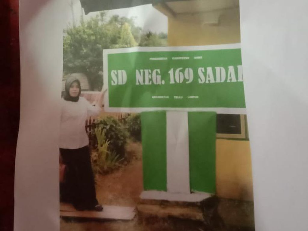 Guru SD Dipecat Usai Posting Gaji Rp 700 Ribu, Ini Kata Gubernur Sulsel