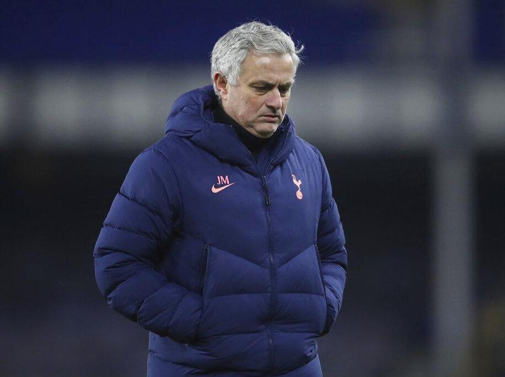 Tottenham Didepak Everton, Rio Ferdinand Kasihan sama Mourinho