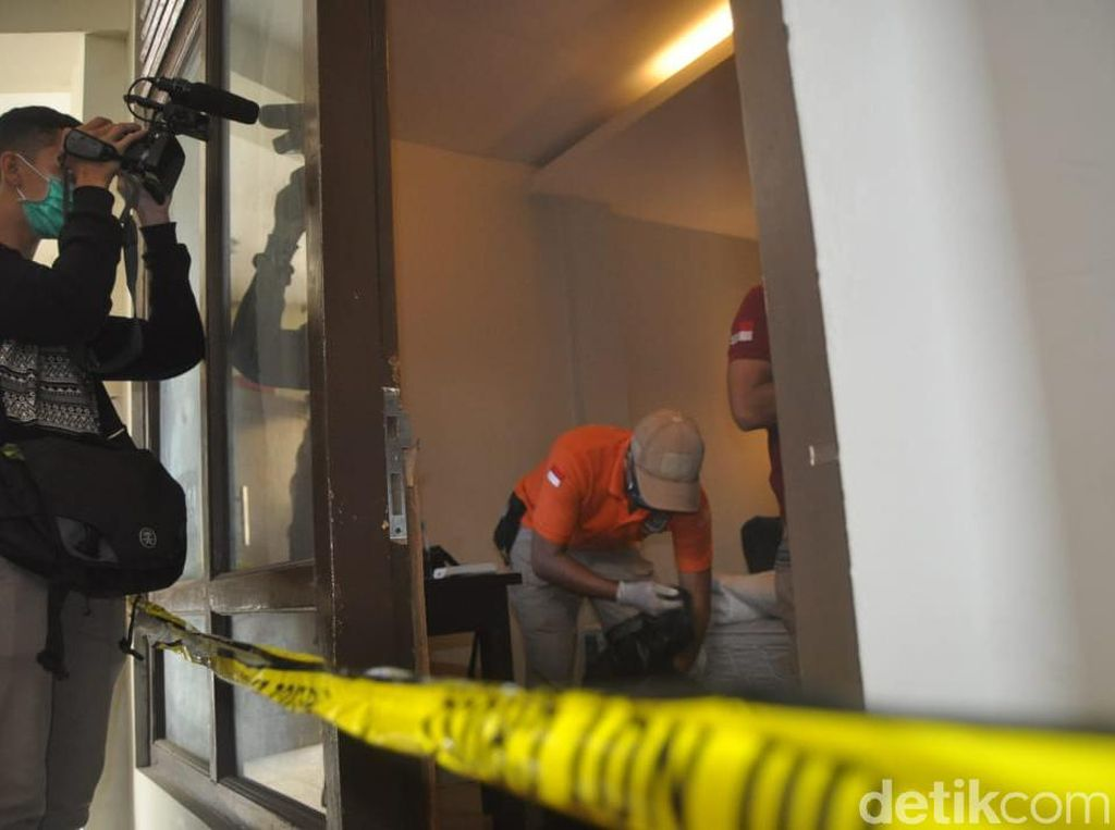 Jasad Perempuan Tertekuk dalam Lemari Hotel di Semarang