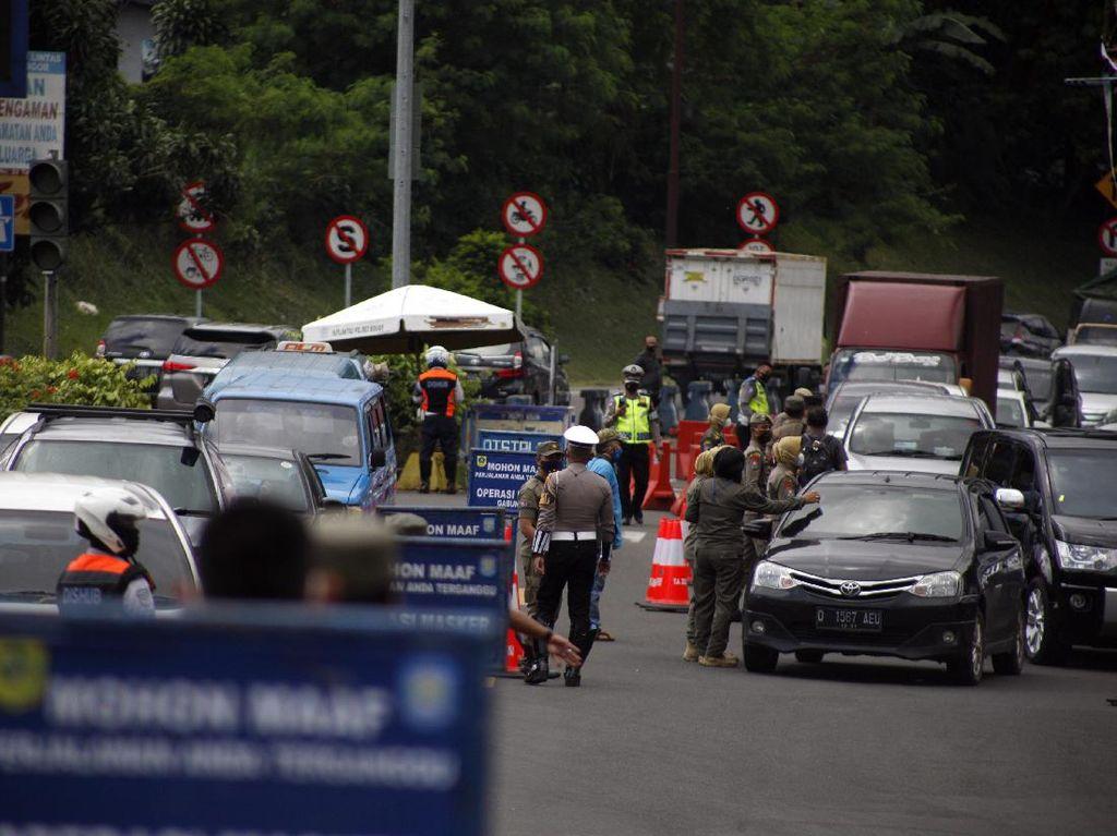 Operasi Rapid Antigen, 200 Kendaraan Diputar Balik di Puncak Bogor Pagi Ini