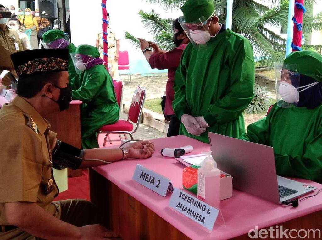 605 Orang Nakes di Rembang Gagal Disuntik Vaksin Corona Tahap Awal