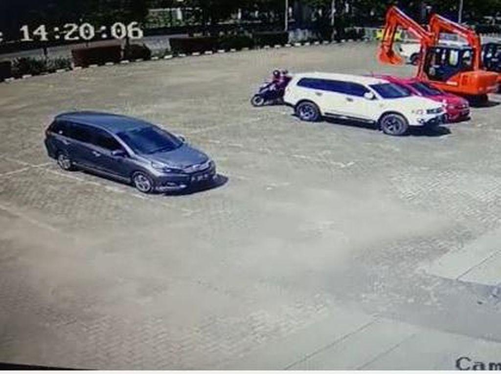 Pecahkan Kaca, Rampok di Sumsel Curi Duit Rp 340 Juta dari Dalam Mobil