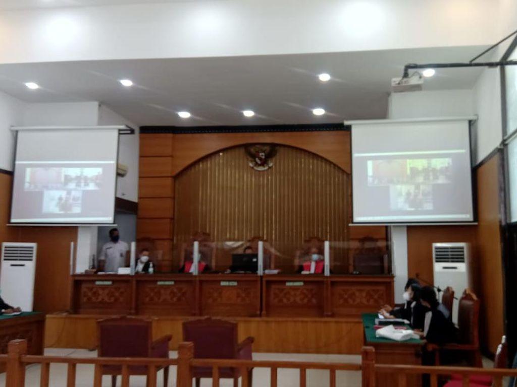 Hakim Tolak Eksepsi Jumhur Hidayat Terkait Penyebaran Berita Bohong