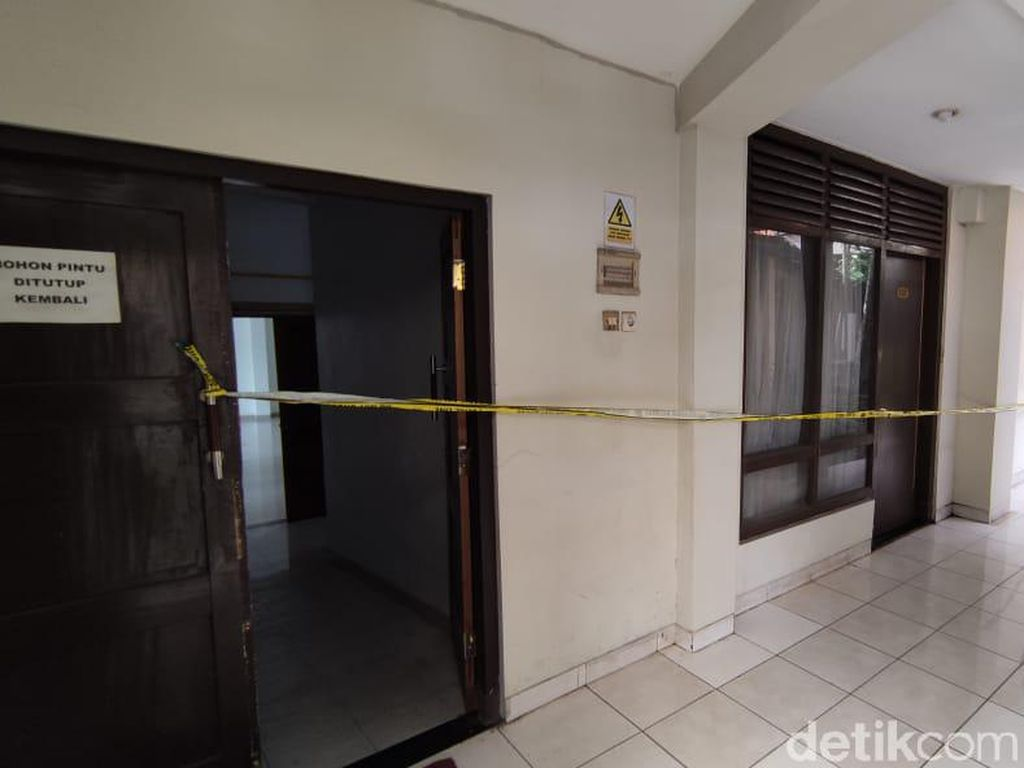 Mayat Perempuan Ditemukan Tertekuk dalam Lemari Hotel di Semarang
