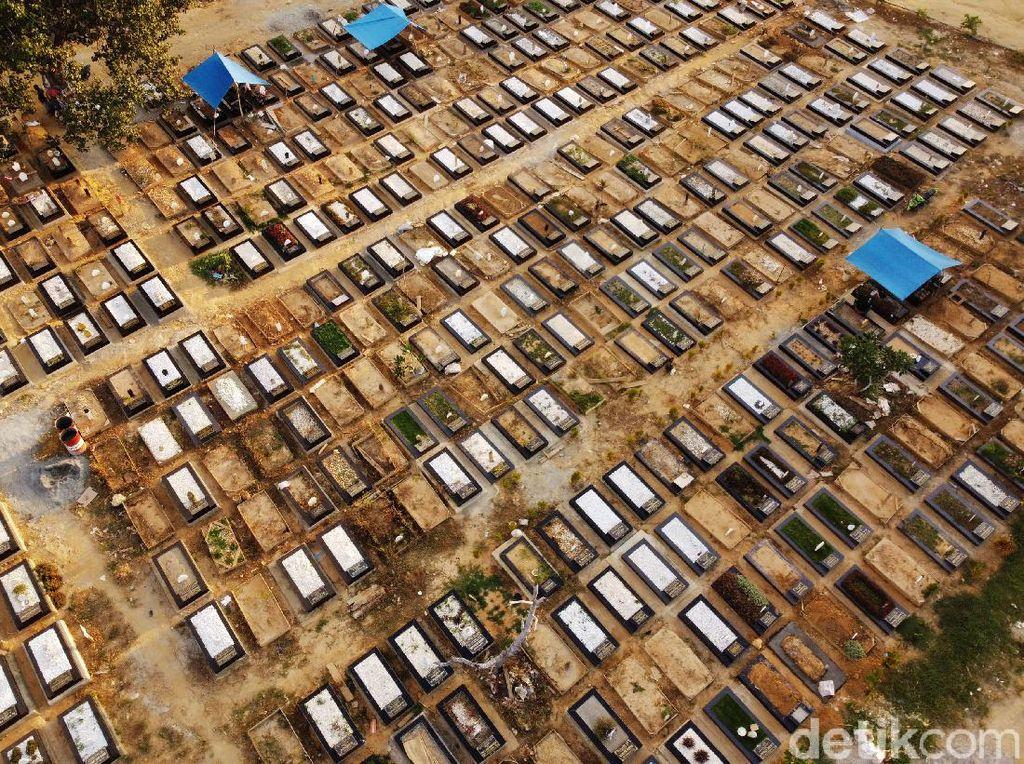 Lahan Pemakaman COVID-19 di TPU Punggolaka Kendari Nyaris Penuh
