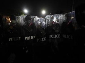 Myanmar Diselimuti Ketegangan, Polisi Bubarkan Demonstran Antikudeta