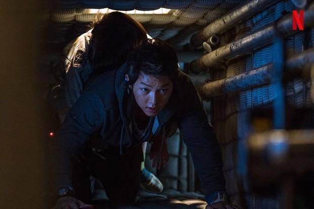 Aktor Song Joong Ki menjadi tokoh Tae Ho dalam film Space Sweeper.