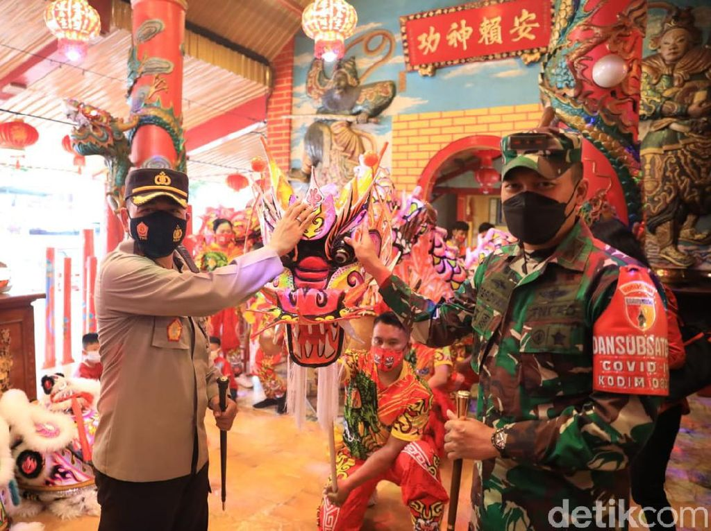 Ibadah Imlek di Klenteng Eng Ang Kiong Dibatasi 30 Orang