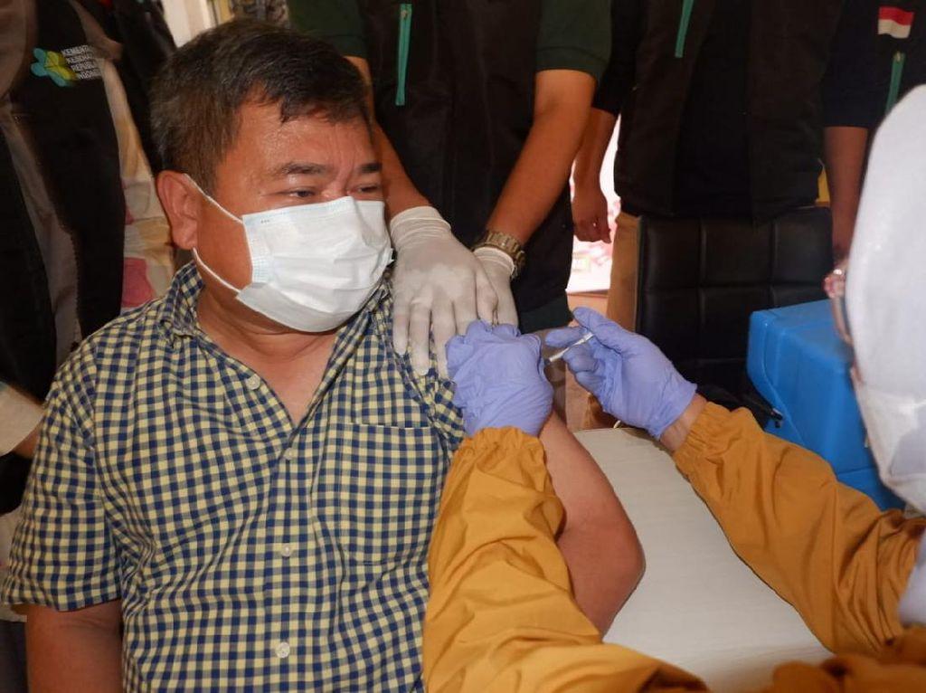 Bupati Garut Jalani Vaksinasi COVID-19