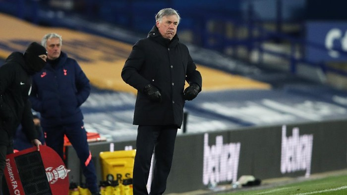 LIVERPOOL, ENGLAND - FEBRUARY 10: Carlo Ancelotti, Manager of Everton looks on during The Emirates FA Cup Fifth Round match between Everton and Tottenham Hotspur at Goodison Park on February 10, 2021 in Liverpool, England. Sporting stadiums around the UK remain under strict restrictions due to the Coronavirus Pandemic as Government social distancing laws prohibit fans inside venues resulting in games being played behind closed doors. (Photo by Clive Brunskill/Getty Images)