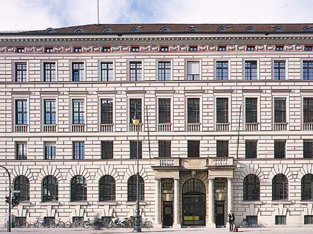 Penampakan Gedung Bekas Istana Raja di Jerman Milik Sukanto Tanoto