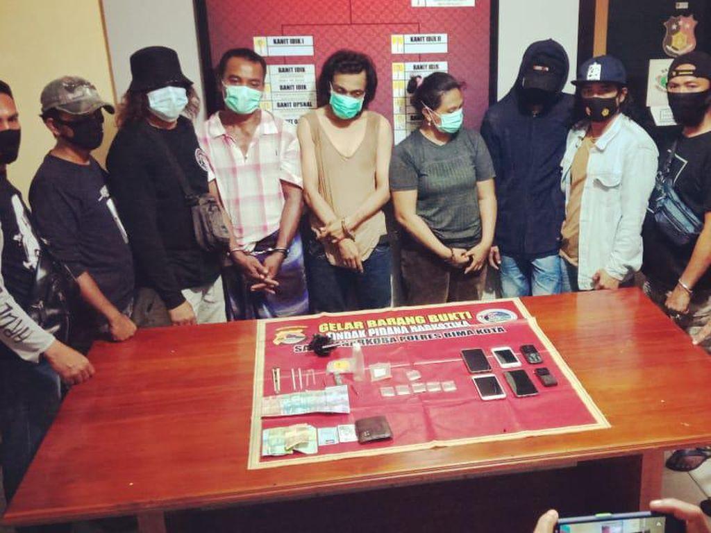 1 Oknum Polisi Ikut Ditangkap saat Penggerebekan Transaksi Sabu di Bima