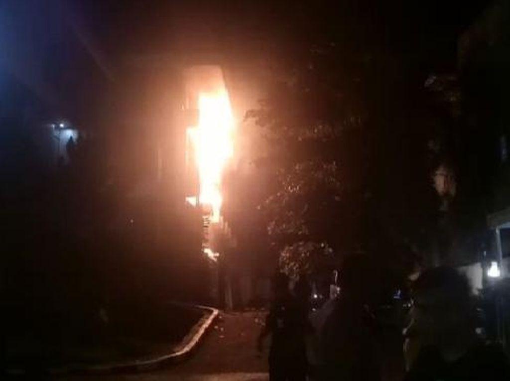 Kebakaran Kantor Bank di Makassar Diduga Akibat Korsleting Listrik