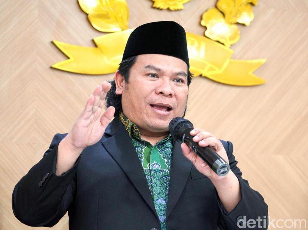 Walkot Blitar Nyanyi Tanpa Masker, Komisi II DPR: Tegur Keras dan Sanksi!