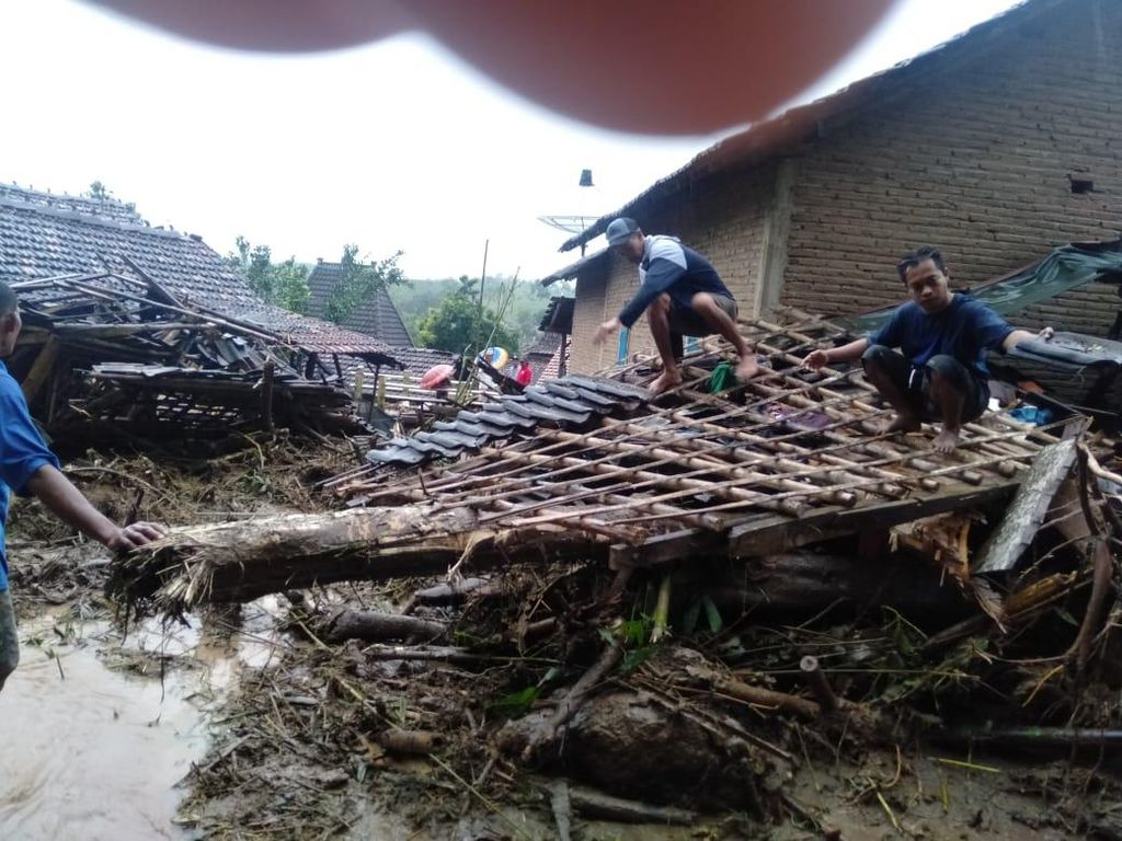 Tanah Longsor di Jepara, 6 Rumah Warga Rusak